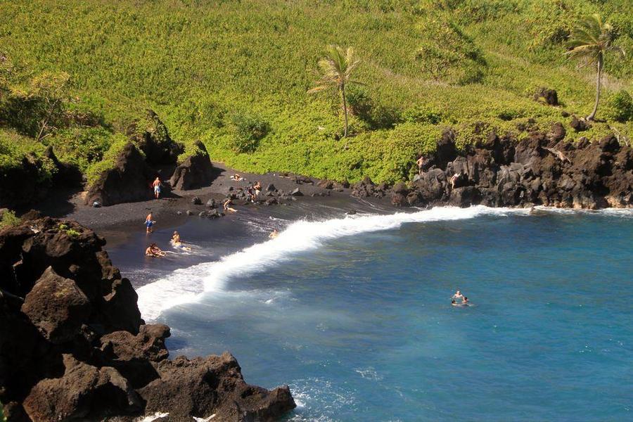 8. Пляж Хонокалани, Мауи