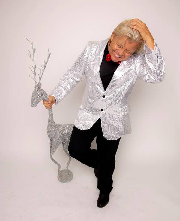 Мужчина, который берет от 2,5 до 80 тысяч долларов за то, чтобы украсить вашу елку Боб Пранга — стил