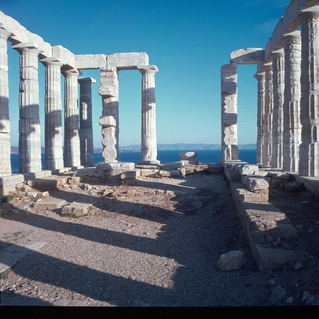 Мыс Сунион. Храм Посейдона,  середина V века до нашей эры. Гид на восток