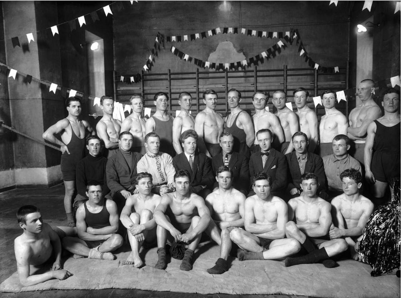 Группа спортсменов