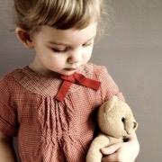 Девочка с мишкой