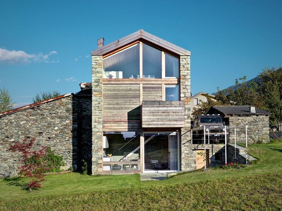 Реконструкцию старого деревенского дома в Итальянских Альпах