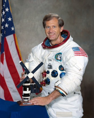 330px-William_R._Pogue.png