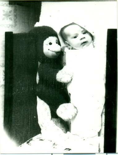 Я с обезьянкой Маней.jpg