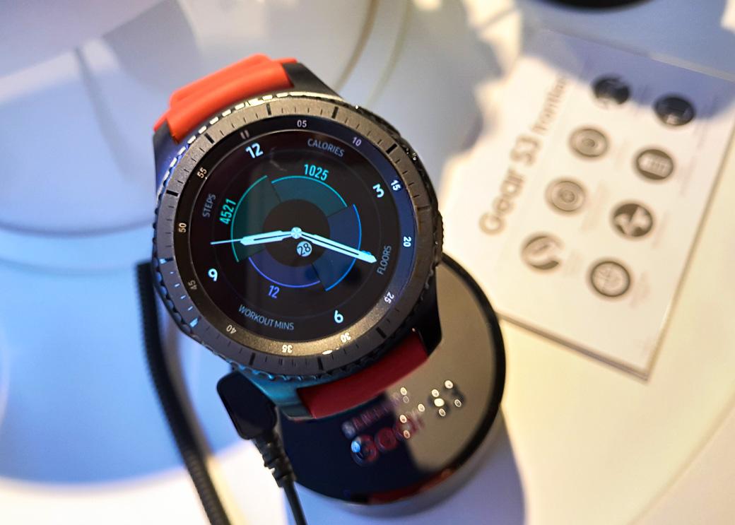 «Умные» часы Самсунг  получили поддержку Apple