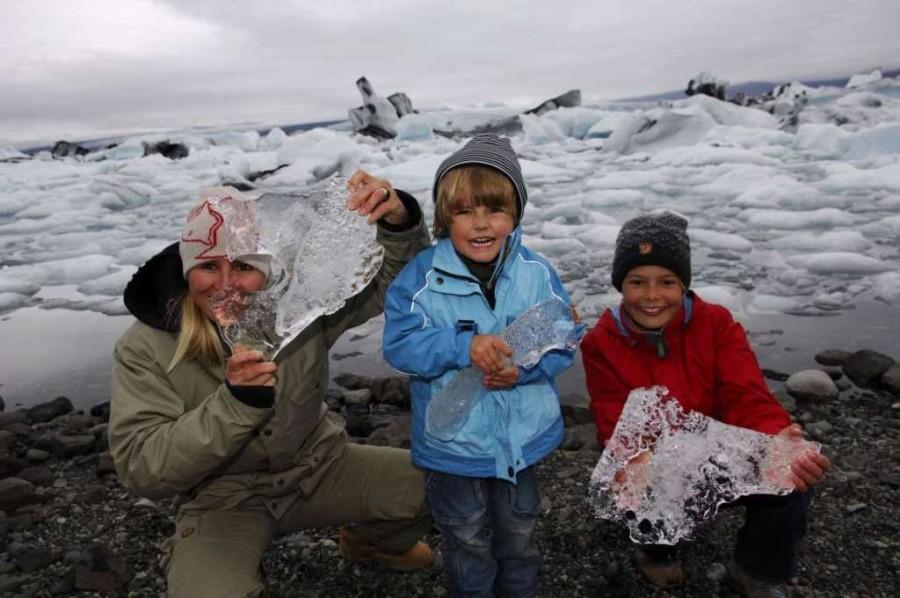 8. На 3-м месте расположилась Исландия, в которой дети учатся в школе до 19 лет, а ВНД на душу насел