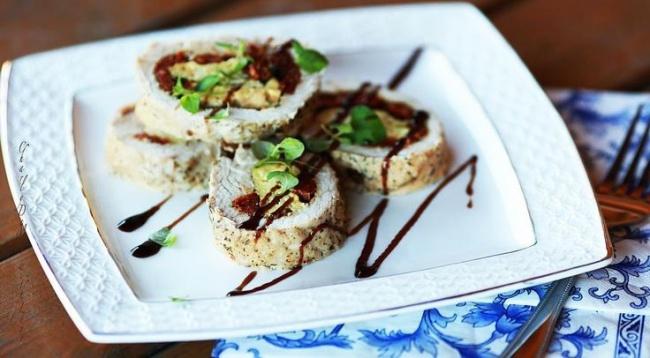 © gastronom  Рецепт. Ингредиенты (на 8 порций): 4 кг филе индейки 2 стакана вяленых помидоров