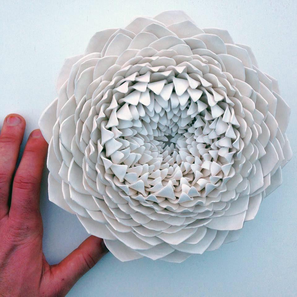 Керамические цветы от Owen Mann