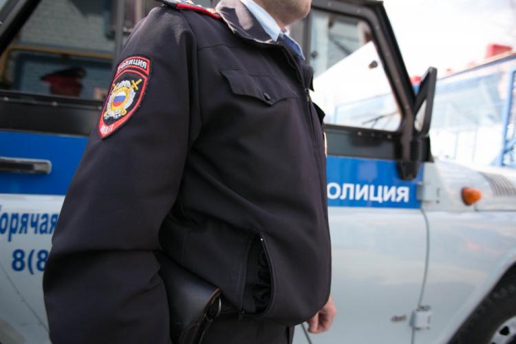 Полицейскому сломали нос в потасовке вцентре Петербурга