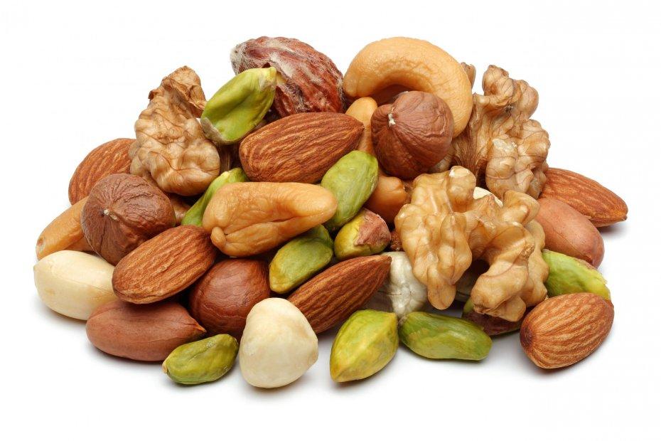 Горсть орехов вдень понижает риск заболеваний