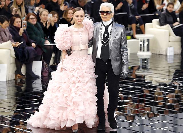 Известные модели продефилировали напоказе «Chanel»