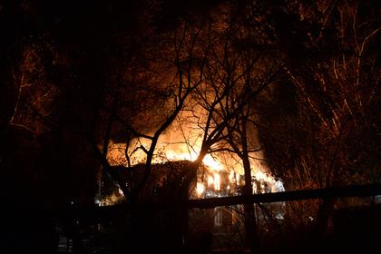 При пожаре вдеревянном доме вТомске погибли два человека