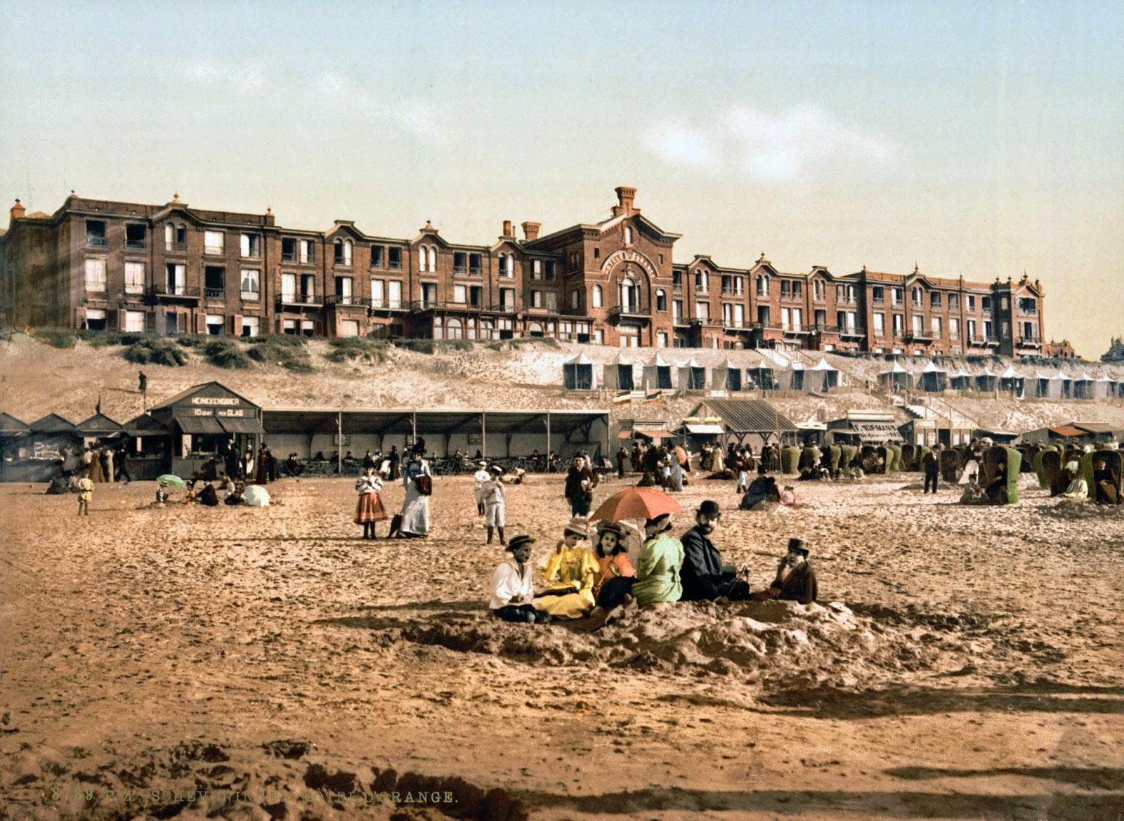 Hotel d'Orange, Scheveningen, Holland, ca. 1890-1900.jpg