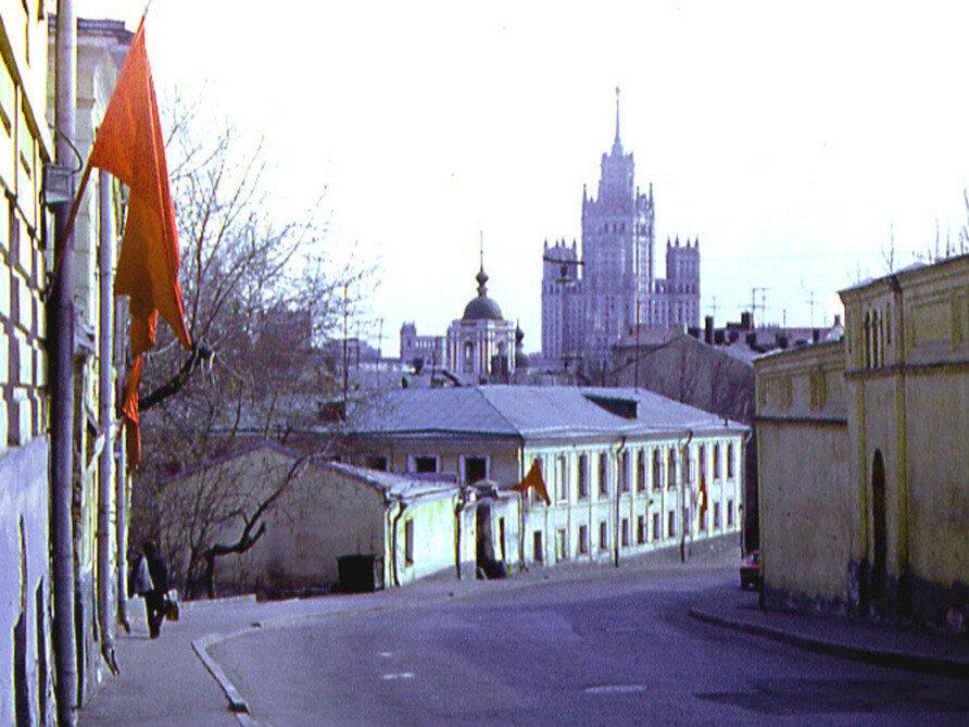 Малый Ивановский переулок