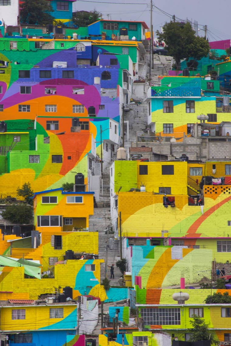 Street Art - Mexican artists repaint an entire neighborhood with the help of the inhabitants