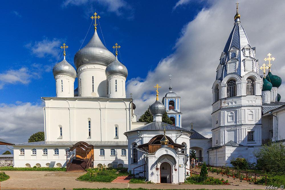 Переславль-Залесский, Никитский мужской монастырь, Никитский собор, Столп-часовня, колокольня храма Благовещения