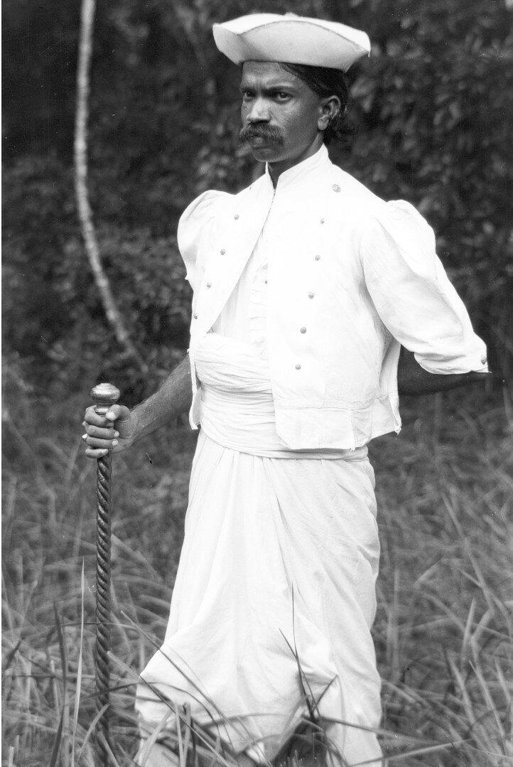 79. Деревенский начальник из Нигалы в своем официальном костюме