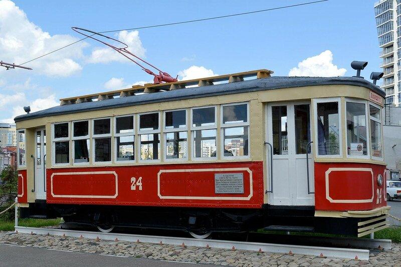 Памятник - трамвай