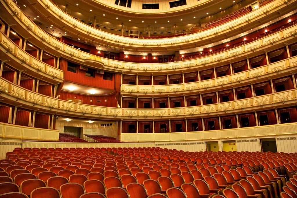 Венская опера. (Jiuguang Wang)