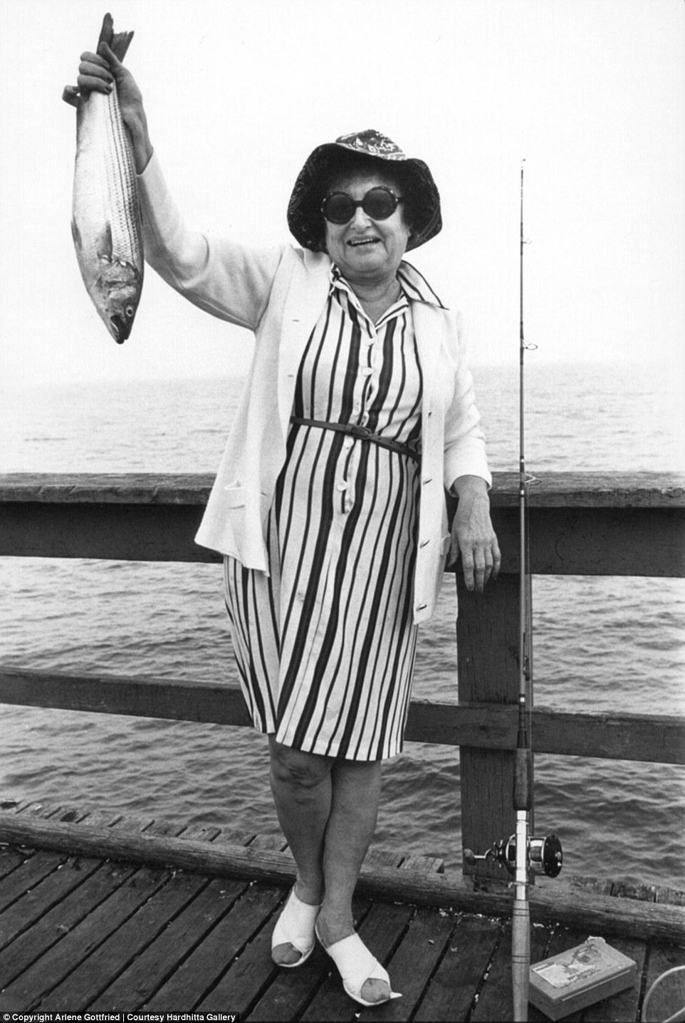 Странные персонажи Нью-Йорка в объективе Арлин Готтфрид с 1970-х годов до наших дней (20 фото)