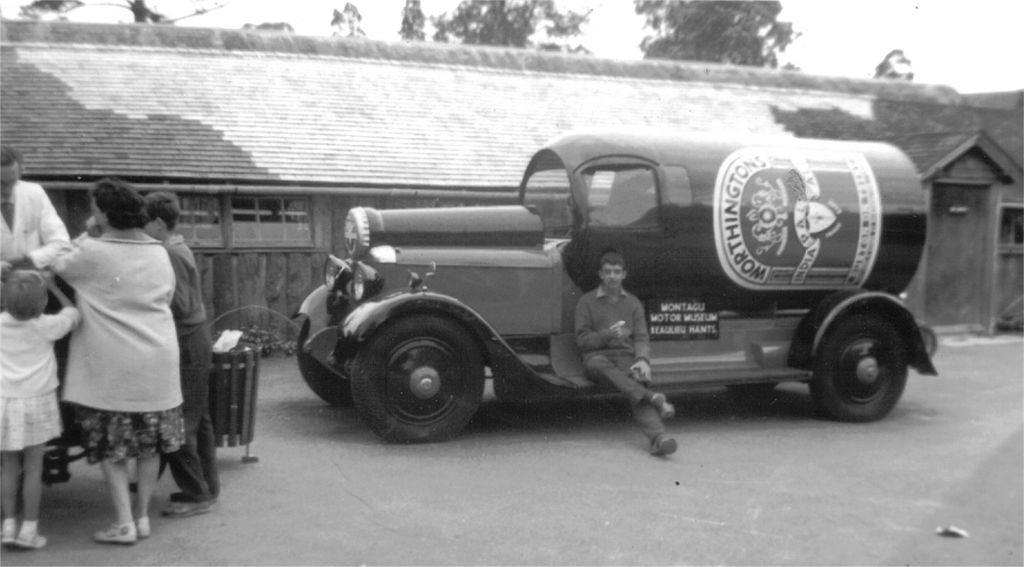 Автомобили-бутылки: Worthington Bottle Cars