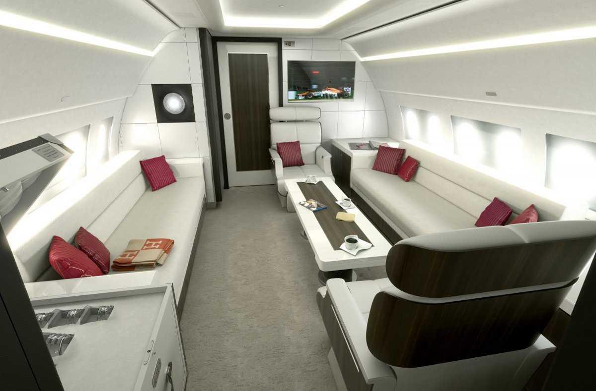 5. Взгляните на корпоративный самолет Airbus ACJ319, в котором могут комфортно разместиться восемь ч