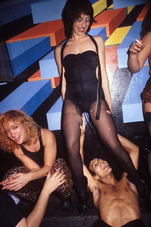 Танцы на диванах в клубе Xenon, 1978 год.