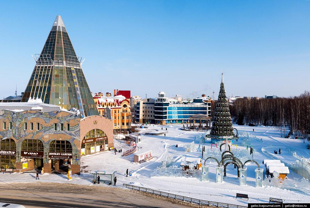 4. Торгово-деловой центр «Гостиный двор».