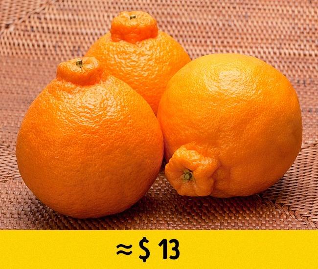 © Laitr Keiows/Wikipedia  Декопон (Dekopon, или Sumo Fruit)— гибрид мандарина иапельсина, ко