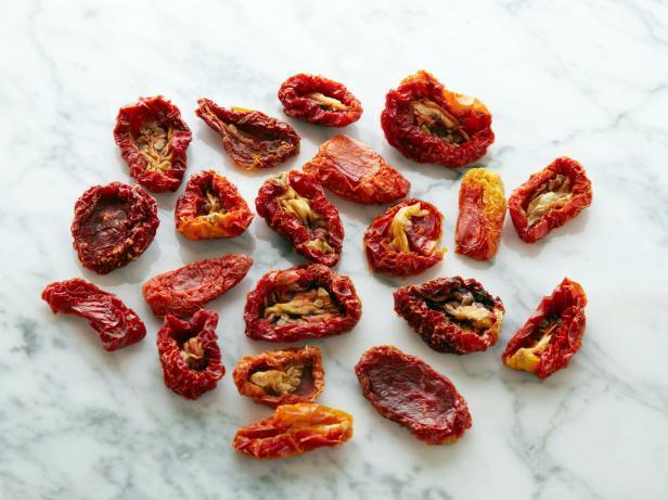 19. Вяленые помидоры 20 штук = 100 калорий