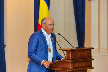 Экс-наставник «Рубина» Бердыев стал вице-президентом «Ростова»