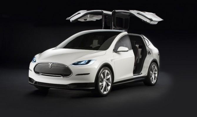Клиент Tesla получил электромобиль стрещиной встойке кузова