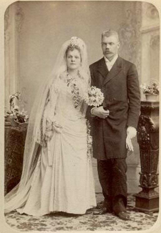 1895.  Свадебный портрет. Петр Давидович и Юлия Степановна Матисон