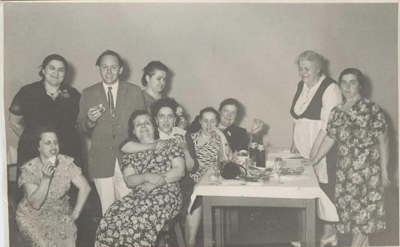1947. Семейный праздник