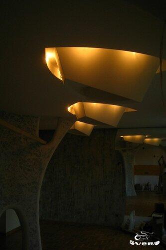 023. полочная инсталляция, светильник из гипсокартона