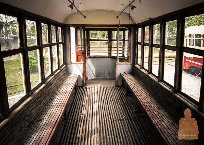 Не самые удобные сиденья для трамвая