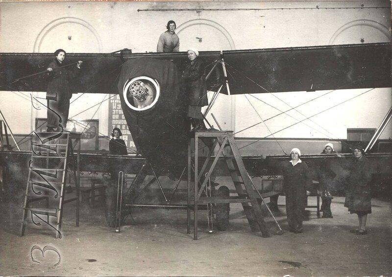 Р-5 в ленинградской военн-технической школе ВВС РККА копия.jpg