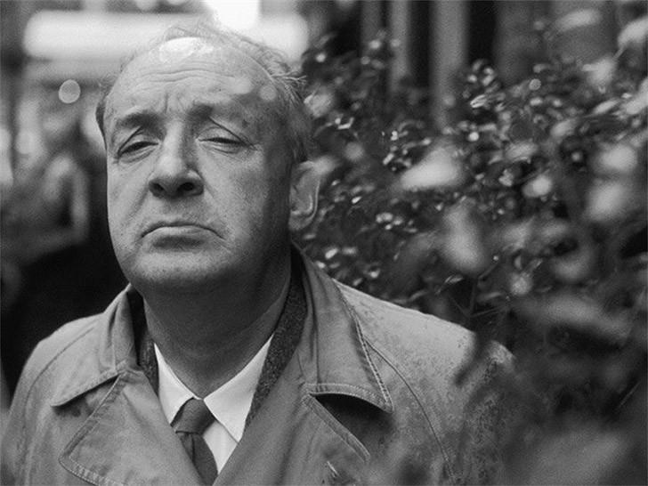 7. Владимир Набоков (1899–1977) набрасывал романы на небольших карточках, которые складывал в длинны