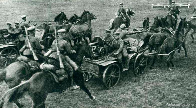 Немецкий военный историк генерал фон Позек в работе «Немецкая кавалерия в Литве и Курляндии» восхвал