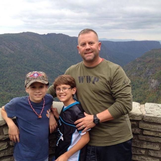 Экстренный вызов обернулся для семьи этого пожарного долгожданным счастьем (6 фото)
