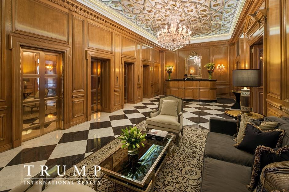Непосредственно над жилищем Иванки расположен пентхаус президента США. Там, говорят, четыре спальни.