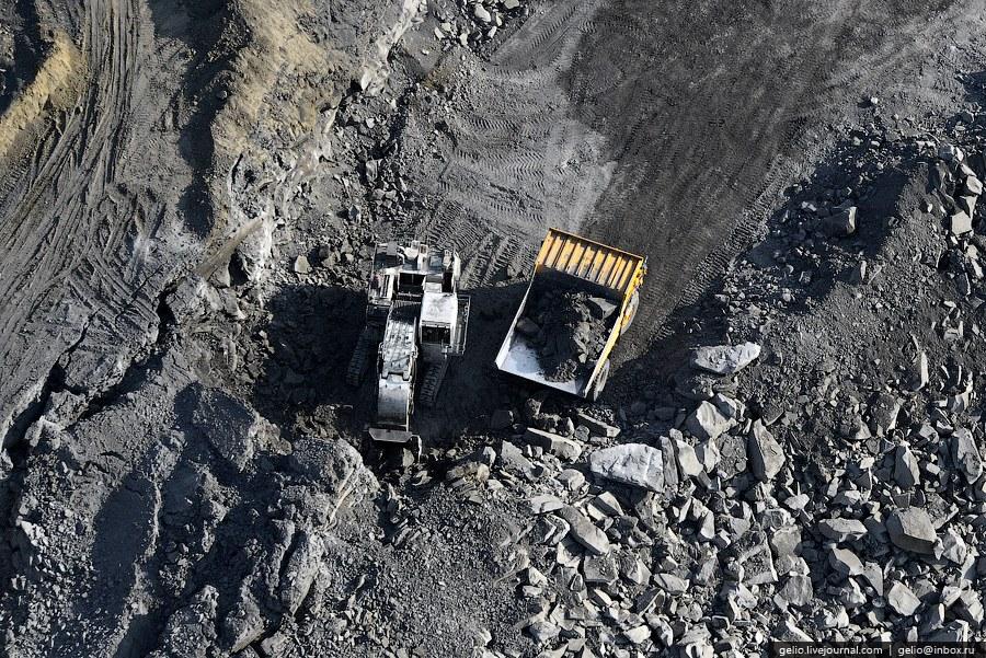 Поставка угля производится во все экономические регионы РФ. Объем поставок доходит до 2,9 млрд.