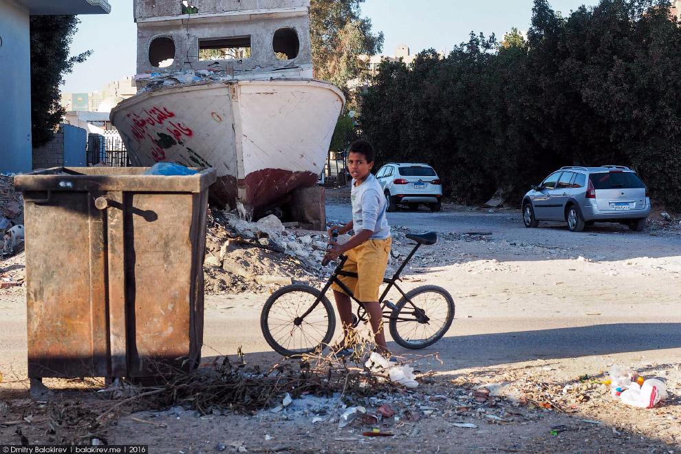 13. Бедность не мешает египтянам закатывать шикарные свадьбы. Родственники устанавливают здоров