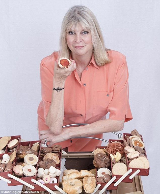 Что мы едим: британка хранила сладости 20 лет, а им хоть бы хны (6 фото)