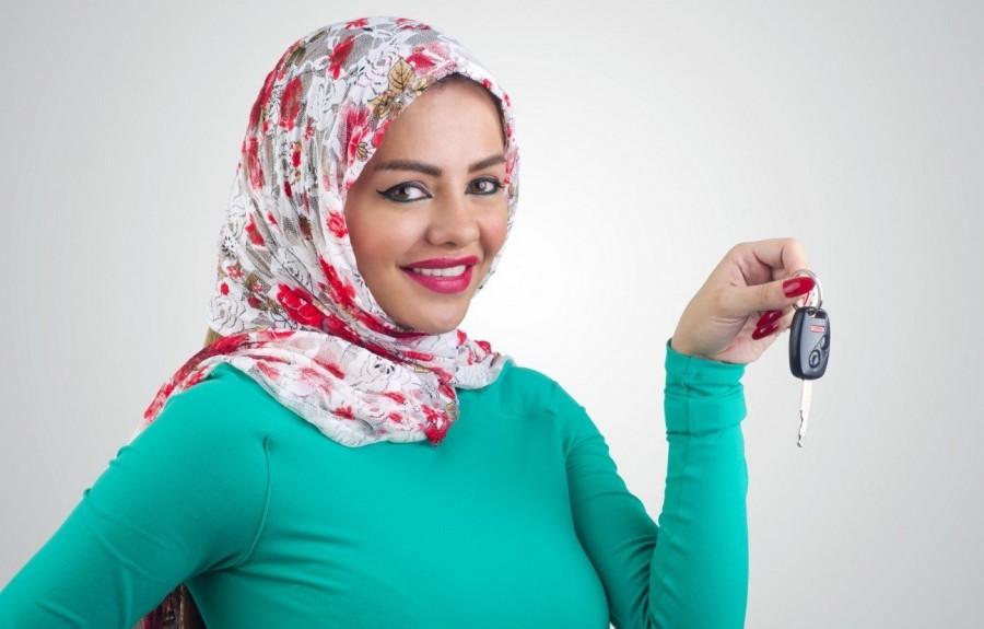2. В Саудовской Аравии женщинам не разрешается водить автомобиль В Саудовской Аравии женщинам не тол