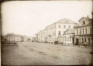 Крестовая улица напротив Спасо-Преображенского собора
