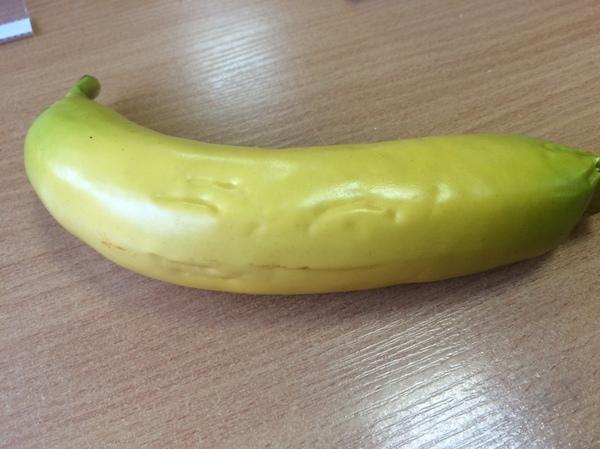 Жизнь пенопластовых фруктов в детском саду