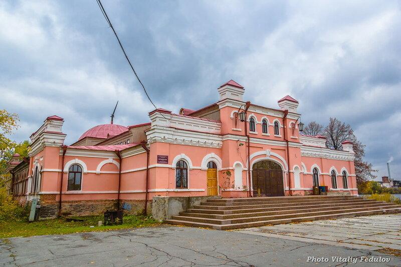 Народный дом, построен в 1913 году