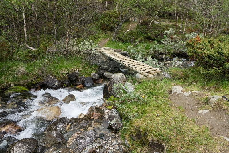 пешеходный мост через приток реки Tverråe