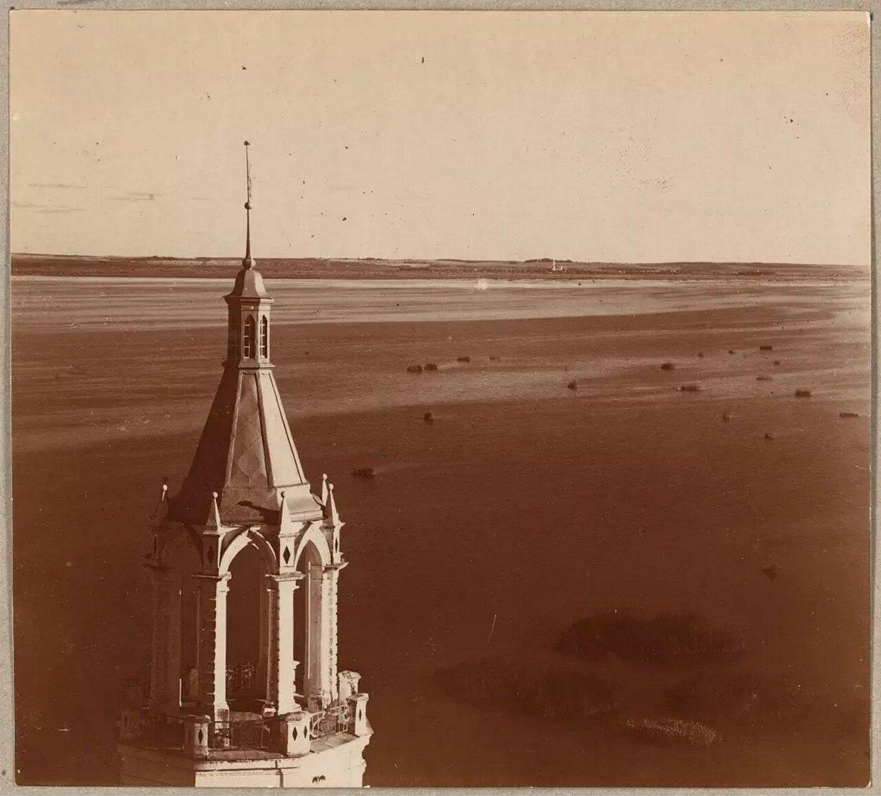 Окрестности Ростова Великого. Спасо-Яковлевский монастырь. Вид на озеро Неро с запада с колокольни монастыря